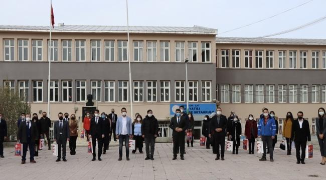 Çat'ta Yeni Atanan Öğretmenlere Tören