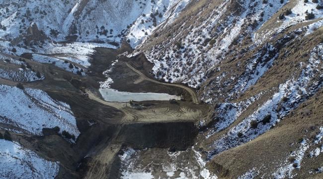 Büyükşehir Kar Kış Demeden Gölet Yapımına Devam Ediyor