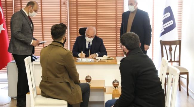 Halkı Dinleyen Başkan Mehmet Sekmen