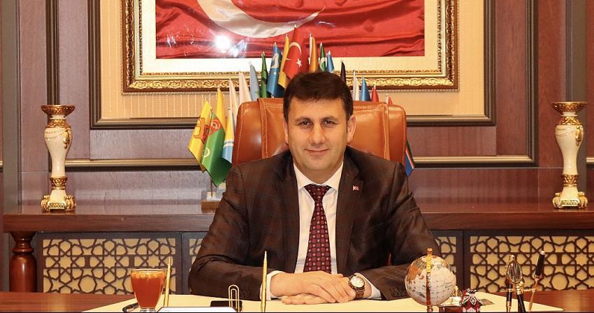 Çat Belediye Başkanı Melik Yaşar'dan Mevlid Kandili ve Cumhuriyet Bayramı mesajı